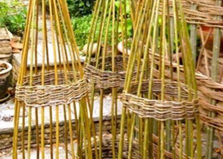 willow-obelisks