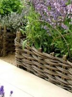 ch5-small-woven-raised-bed-1
